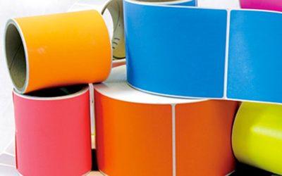Come riconoscere un buon fornitore di etichette: attenzione ai materiali e ai test
